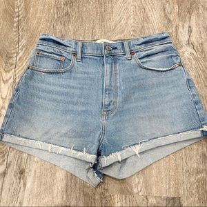 Abercrombie & Fitch High Rise Jean Mom Shorts 28